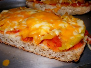 1 bread pizza 300x225 Herbed Bread Pizza