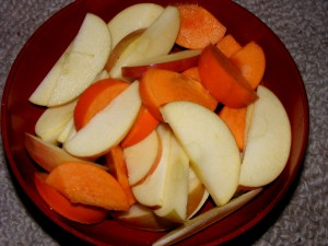 5 apple persimmon 300x225 Im home!  And a salad challenge update.