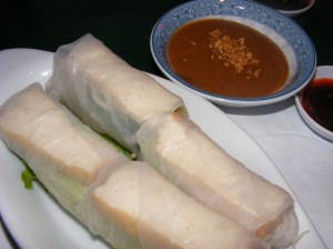5 spring roll 300x224 Vietnamese for dinner... again :)
