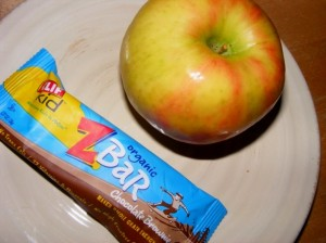3 snack zbar apple 300x224 Im having a love affair with my dessert.