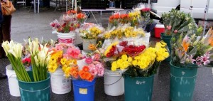 2-farmers-market-flowers
