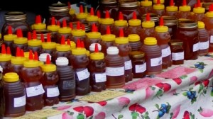 7-farmers-market-honey