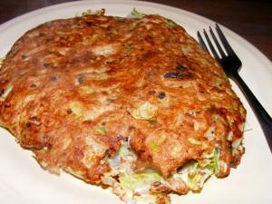 12 okonomiyaki 300x225 Okonomiyaki (Japanese frittata)
