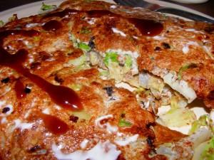 13 okonomiyaki 300x225 Okonomiyaki (Japanese frittata)