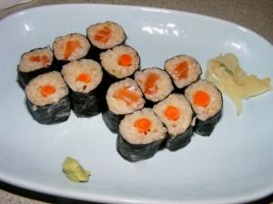9 hommas gobou sake salmon burdock rolls 300x225 Review: Hommas Brown Rice Sushi (Palo Alto, CA)