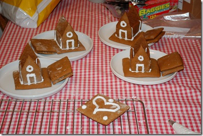 dec142009084 thumb How To Make Gingerbread Houses