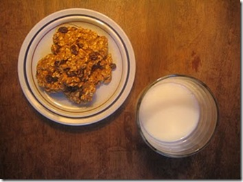 oatmeal-cookies-milk