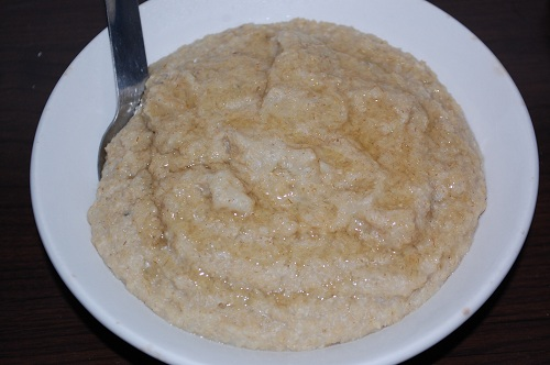 http://www.thesaladgirl.com/wordpress/wp-content/uploads/2010/07/10-honey-green-oat-bran.jpg