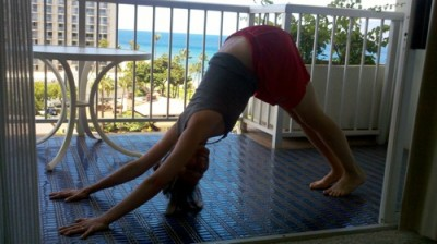 maggie lanai yoga 400x224 The Non Hunger Diaries: How I Eat And Move {Part 2 of 2}