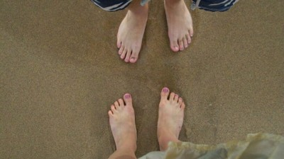 sandy toes 400x225 Wordless Sunday (!)