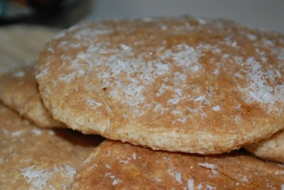 04 coconut pancakes 400x267 Eat Me, Im Delicious (Healthy Coconut Pancakes Recipe)