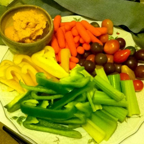 healthy super bowl food veggies and hummus dip 500x500 February Goals + Meal of the Day #1