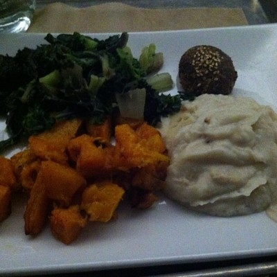 hu kitchen farmers plate cauliflower butternut squash greens 400x400 {Macrobiotic March} Some Macrobiotic Meals (at home and out!)